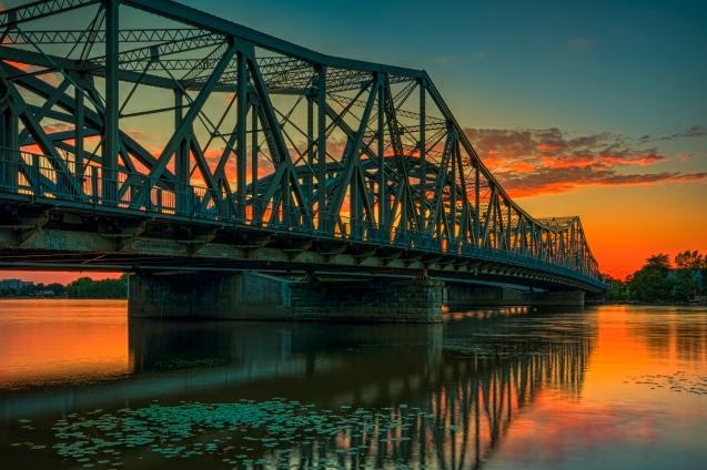 Fin de journée sur le pont Lachapelle