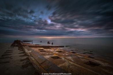 Epave du navire Corfu Island sur une plage de l'Etang du Nord aux Iles-de-la-Madeleine au Quebec --- Shipwreck of the Corfu Island on a beach of Etang du Nord on Magdalen Islands, Quebec