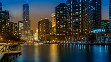 L'heure bleue sur la rivière Chicago