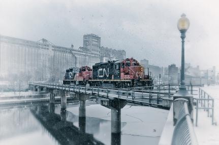 Train-train quotidien dans le Vieux-Port de Montréal