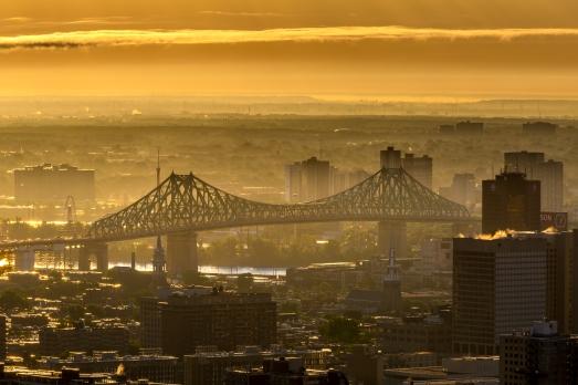 Montréal dans la brume du petit matin