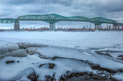 Le pont Champlain dans son décors hivernal