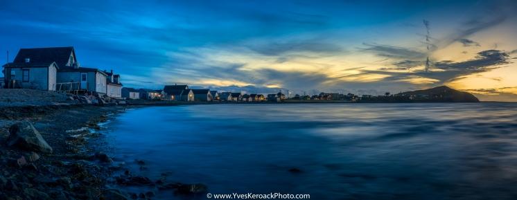 Sunset on the shore at Havre-Aubert on Magdalen Islands, Quebec ---- Coucher du soleil sur la rive de Havre-Aubert aux Iles-de-la-Madeleine, Quebec