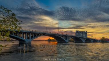 Pont Viau au coucher du soleil
