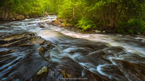 Cascade sur la rivière Swaggin à St-Côme, Québec