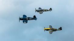 FG-1D Corsair, Spitfire Mk IX et P-51 Mustang